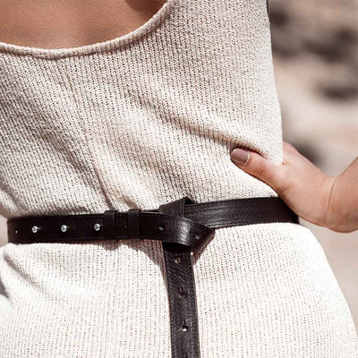Stylish black leather women's belt detail DAPHNY RAES
