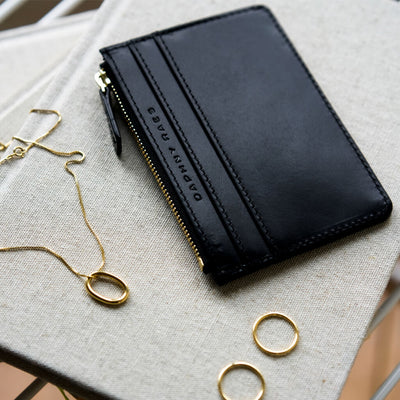 Personalized smooth black leather zipper wallet with golden zipper DAPHNY RAES