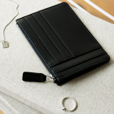 Slim black smooth leather women's credit card holder with silver zipper DAPHNY RAES