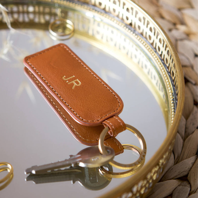 Personalized cognac leather keychain with monogram DAPHNY RAES