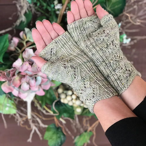 Moonshadow Mitts