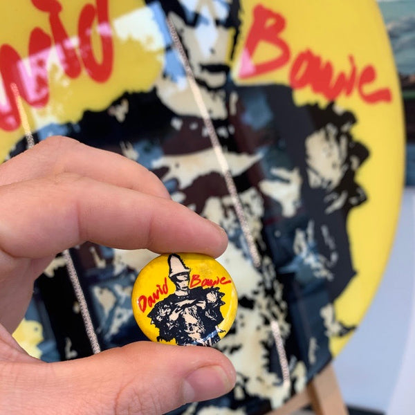 David Bowie (Ashes to Ashes) GIANT 3D Vintage Pin Badge