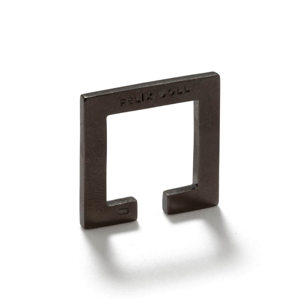 228 C - Flat Square Ring - Rhutenium-plated silver