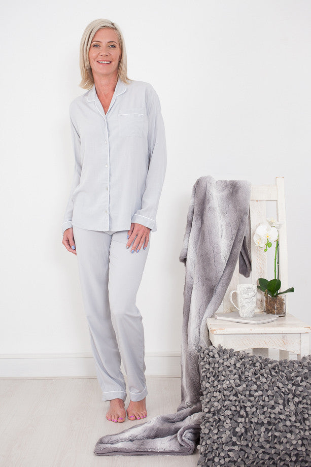 Vrouekeur Magazine Features Signature Sleepwear