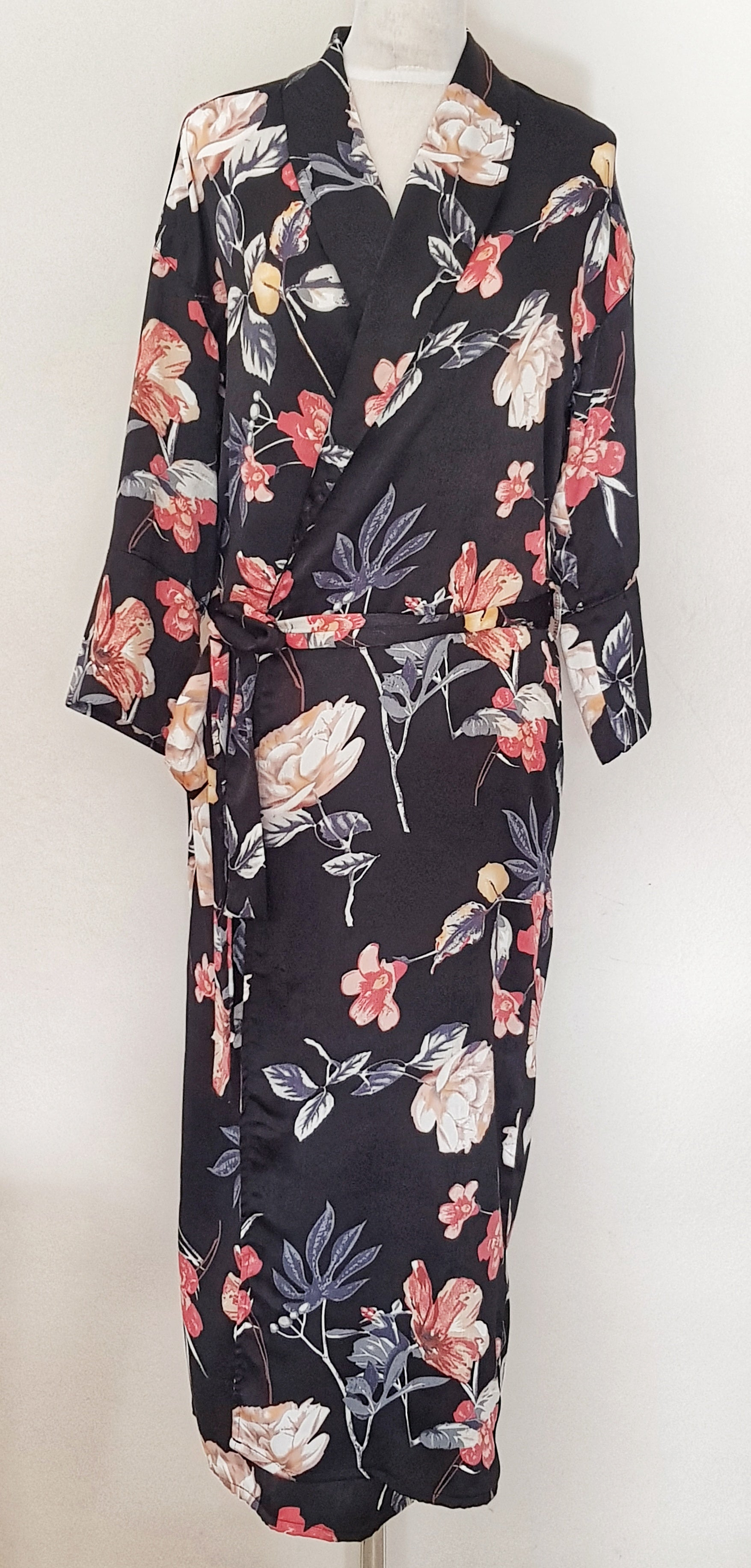 Nightgown - black floral