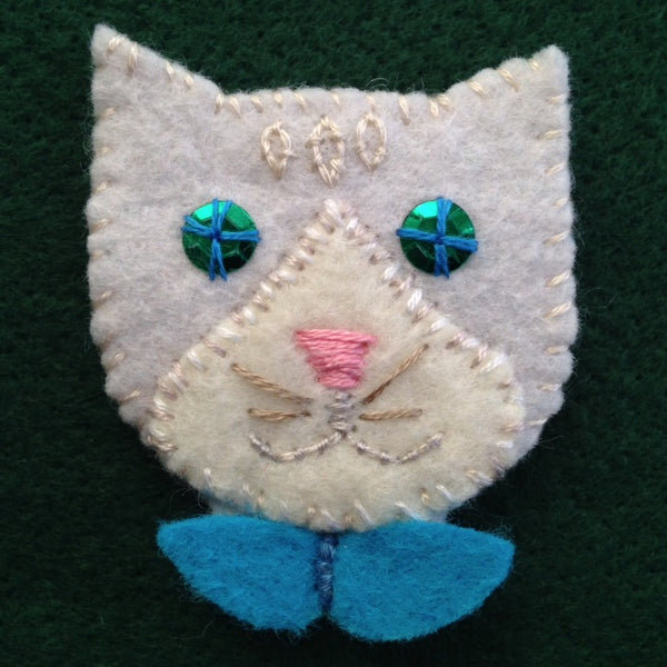 KITTY PIN #6 (white & off white) by artist Ulla Anobile