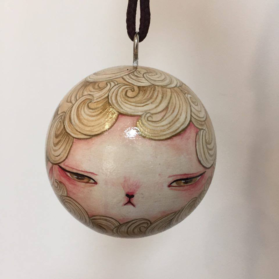 Kinn: Gold Sheep Ornament by artist Yishu Wang