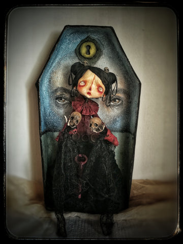 BLUEBEARD'S WIFE by artist Anthi Matsouka (MonstrumFlos)