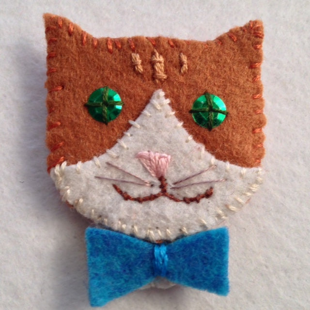 KITTY PIN #1 (ginger and white) by artist Ulla Anobile