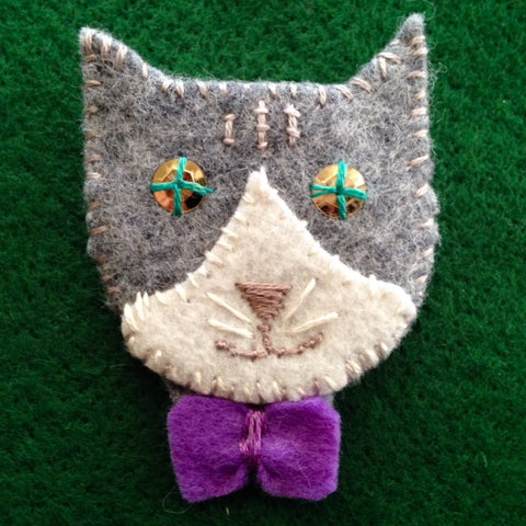KITTY PIN #3 (gray & white) by artist Ulla Anobile