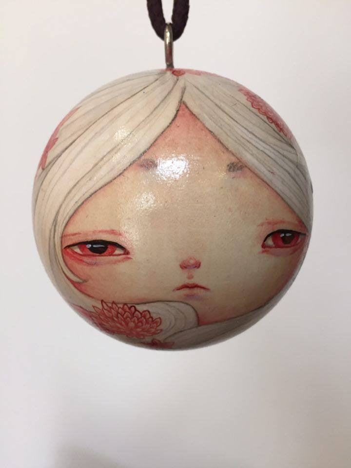 Sizuka: White and Red Ornament by artist Yishu Wang