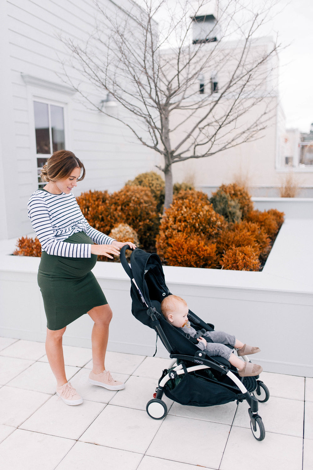 maternity clothes and pregnancy clothing