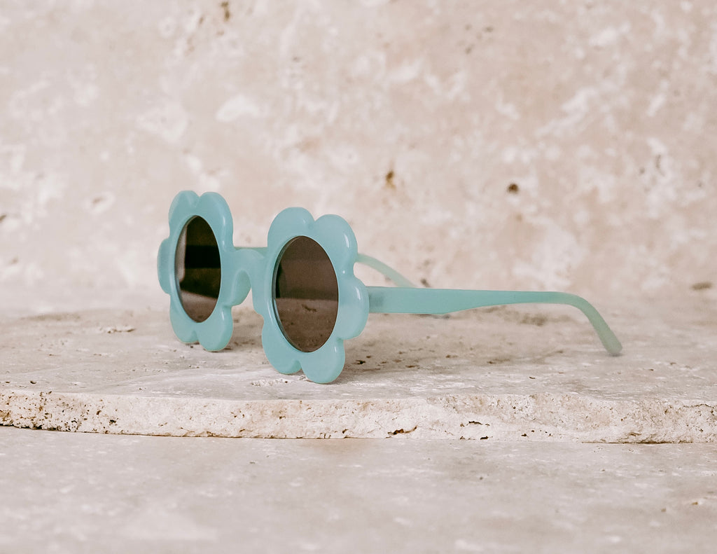 Daisy Shaped Kids Sunglasses / Blue Haven