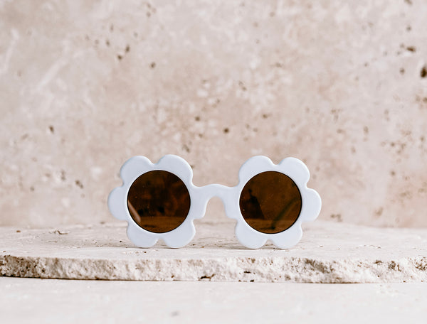 Daisy Shaped Kids Sunglasses / Marshmallow