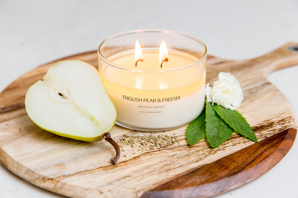 Candle / English Pear and Freesia