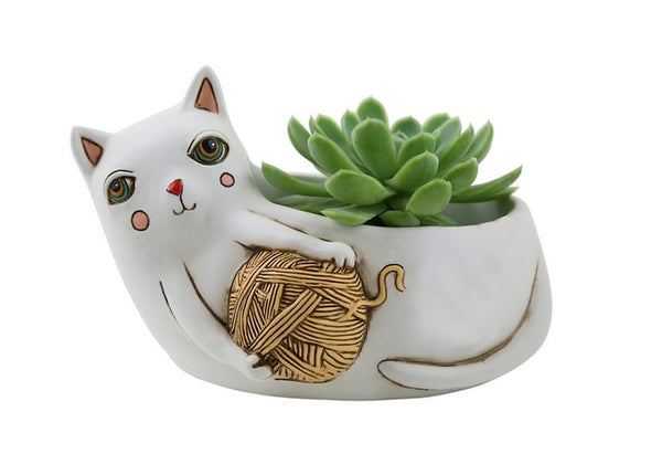 Cat with Yarn Planter / White