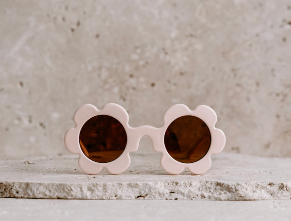 Daisy Shaped Kids Sunglasses / Vanilla