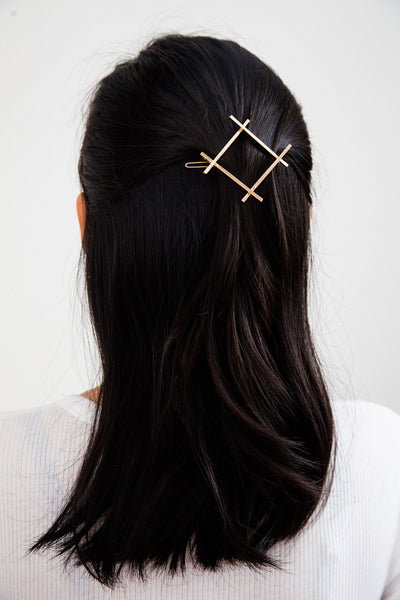 Modern Hair Accessories Hash Barrette. More than a mere symbol, the hash barrette adds a refreshing touch to your hairstyle. A simple way to freshen up your look.