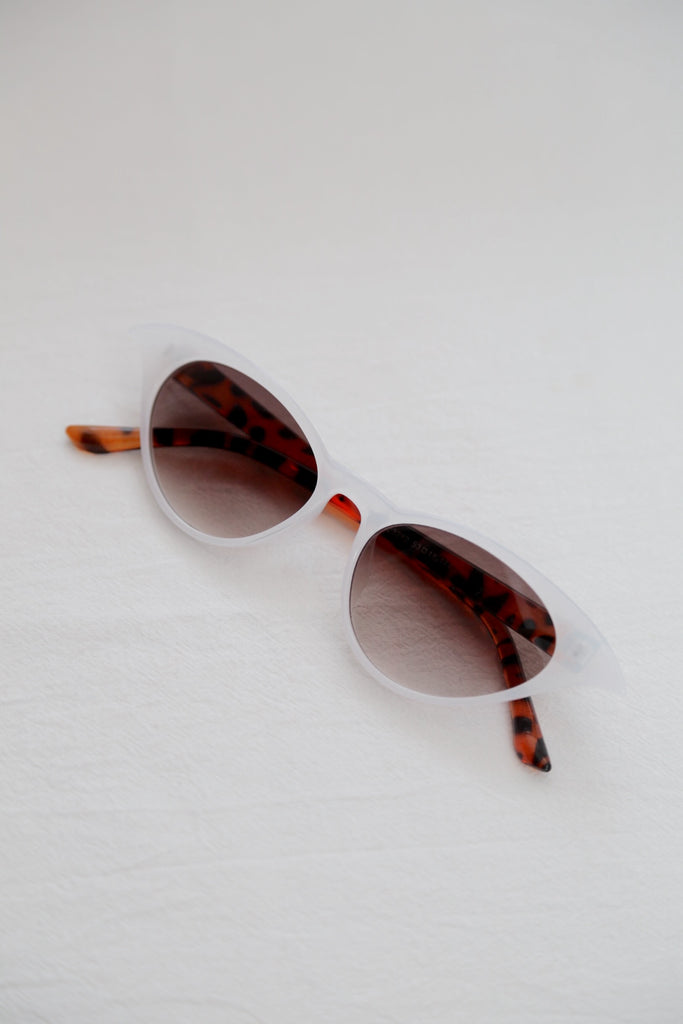 Krya Sunnies (White)
