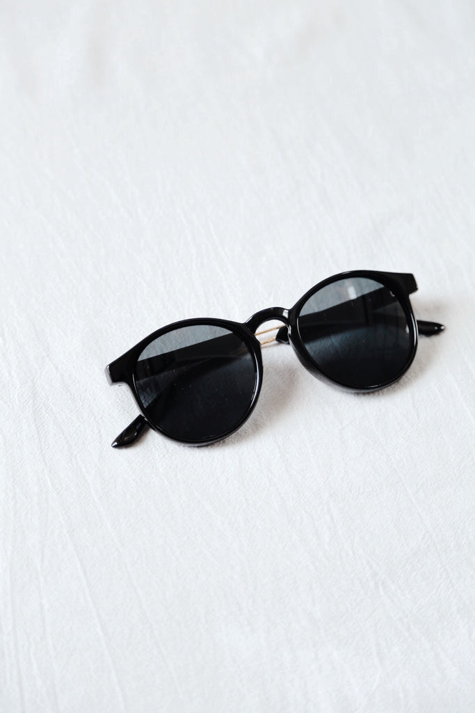 Oliver Sunnies (Black)