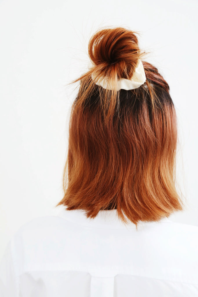 Bu Scrunchie (Cream)