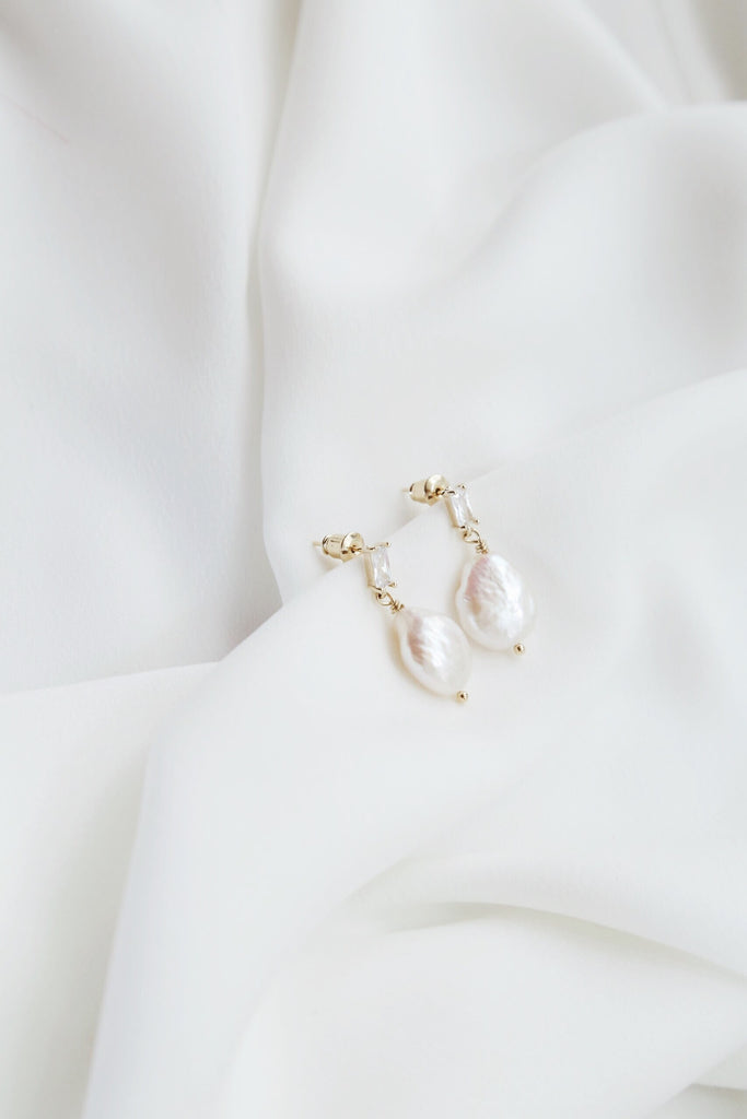 Lula Pearl Earrings