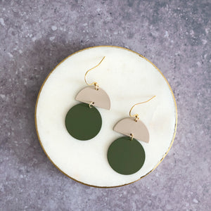 Orla earrings, olive with putty top