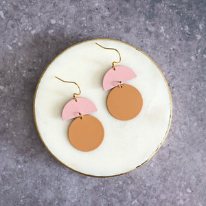 Orla earrings, sand with pink top
