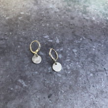 Load image into Gallery viewer, Hammered disc earrings in silver