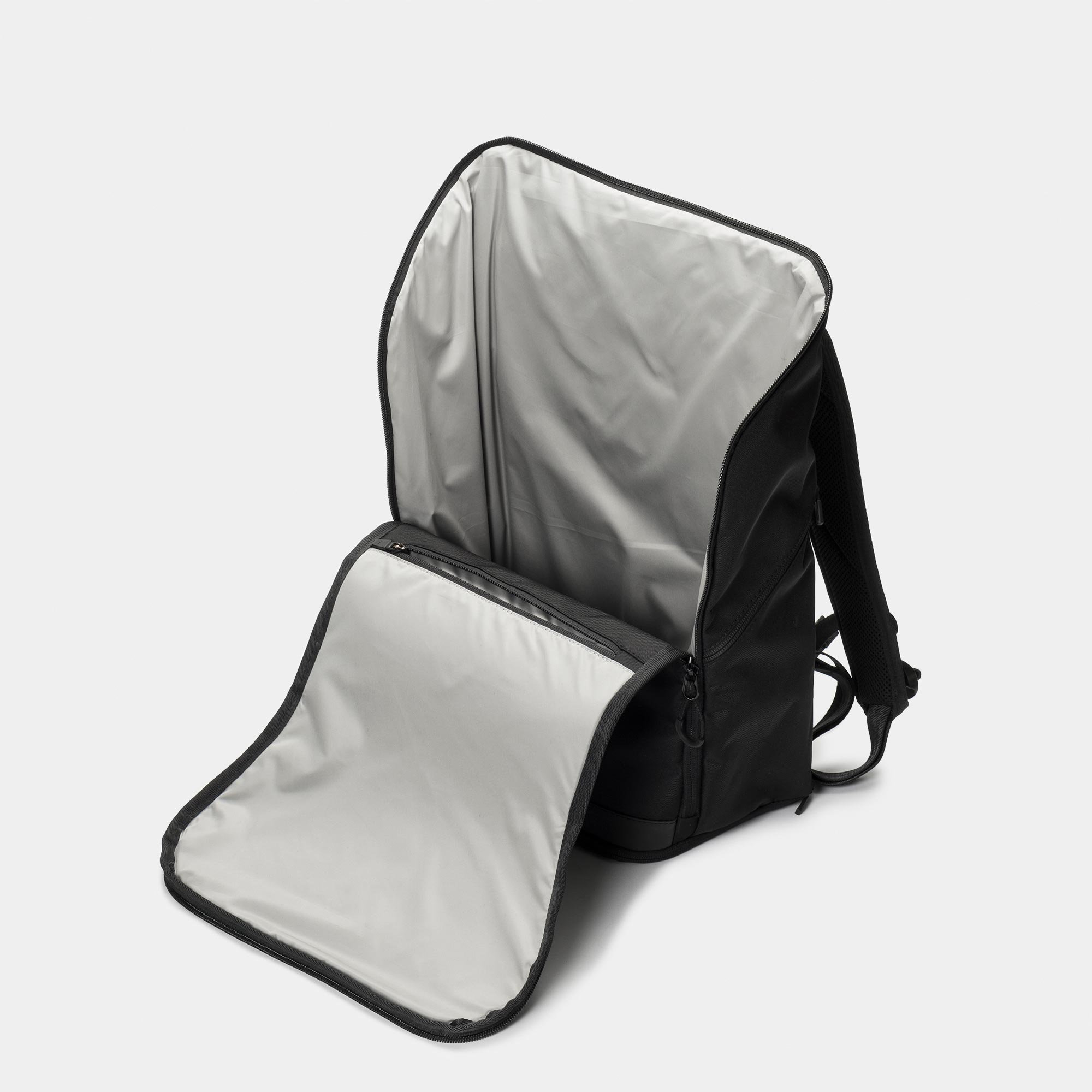 invisible backpack THREE - 2018 - black