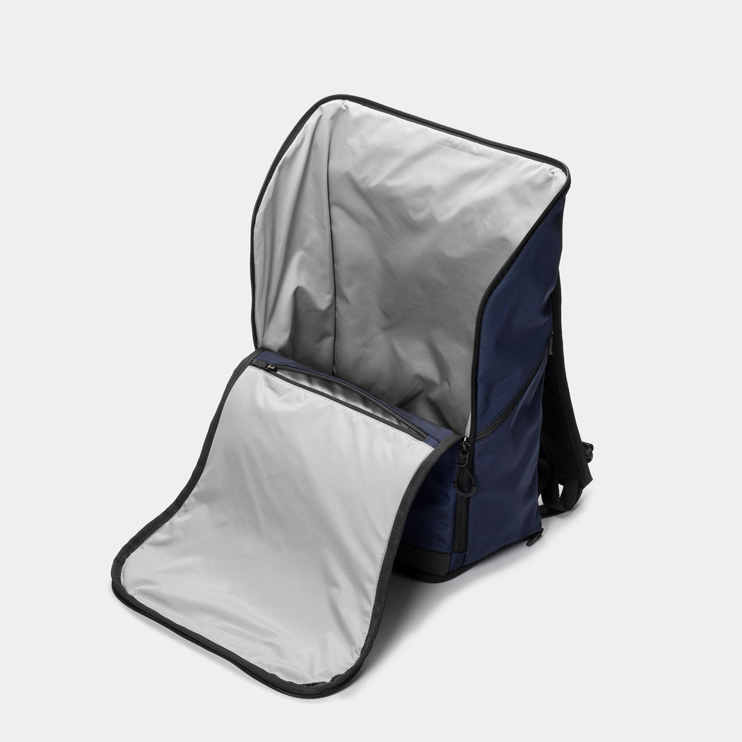 invisible backpack THREE in navy blue - main compartment