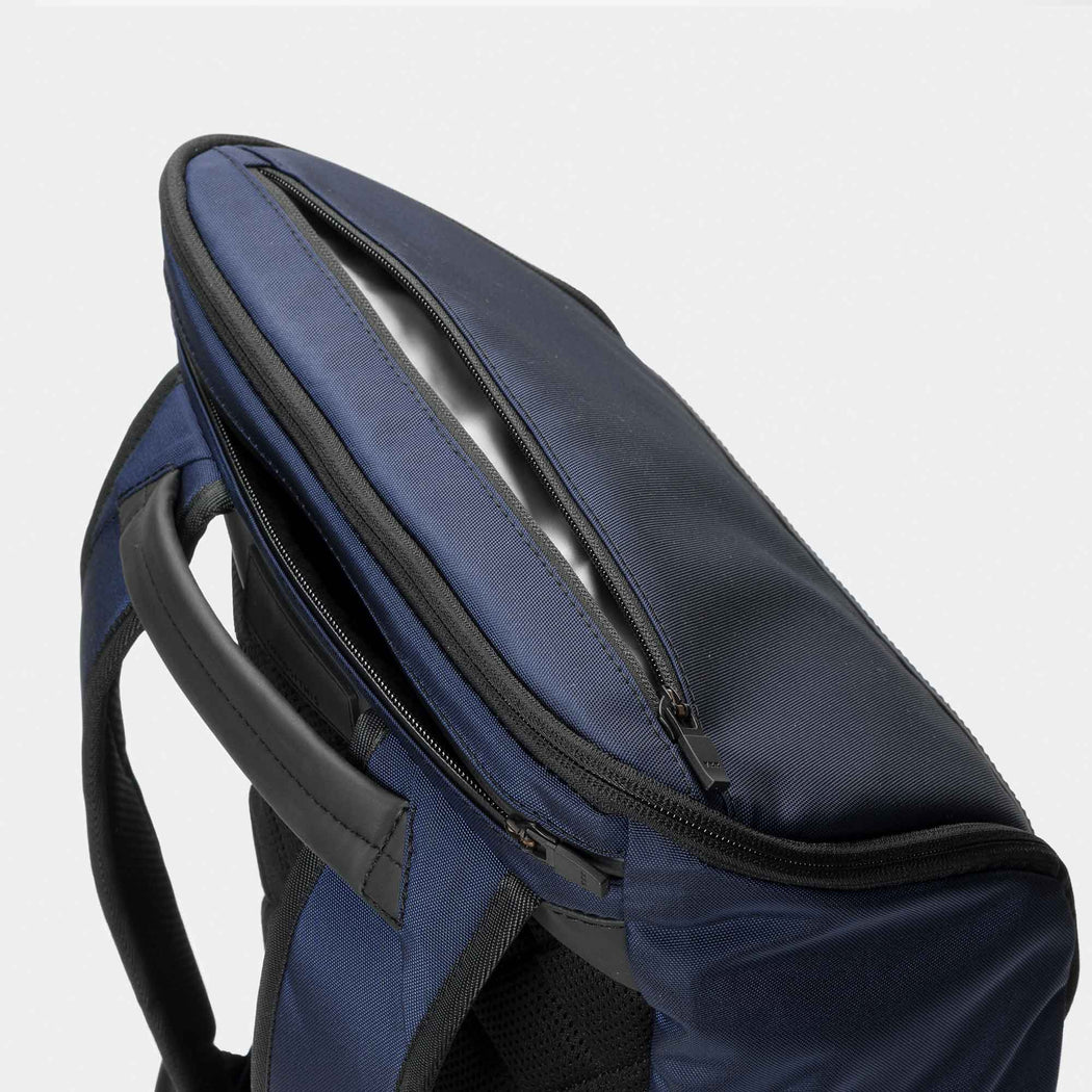 invisible backpack THREE in navy blue - top pocket