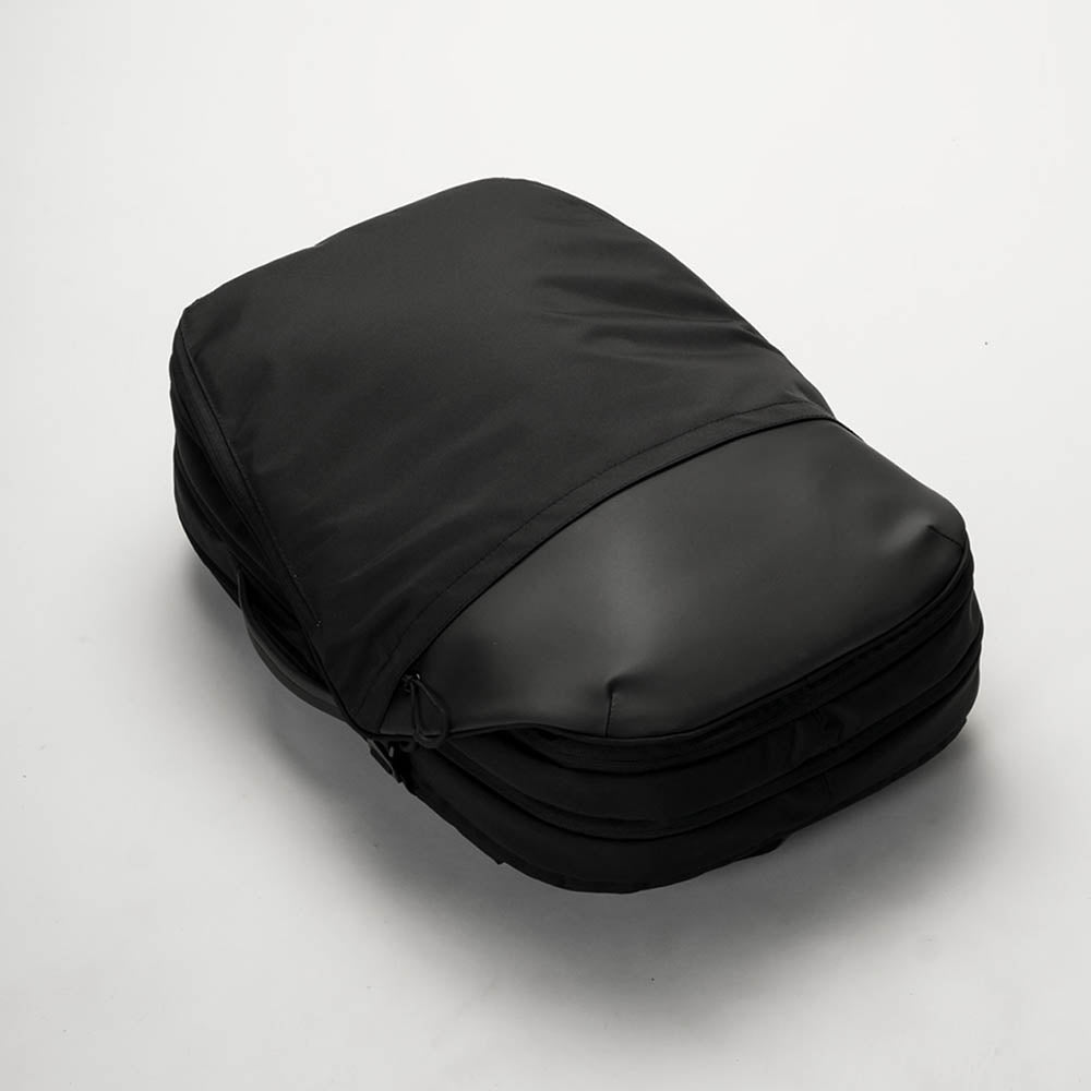 (ARCHIVE) INVISIBLE CARRY-ON - black