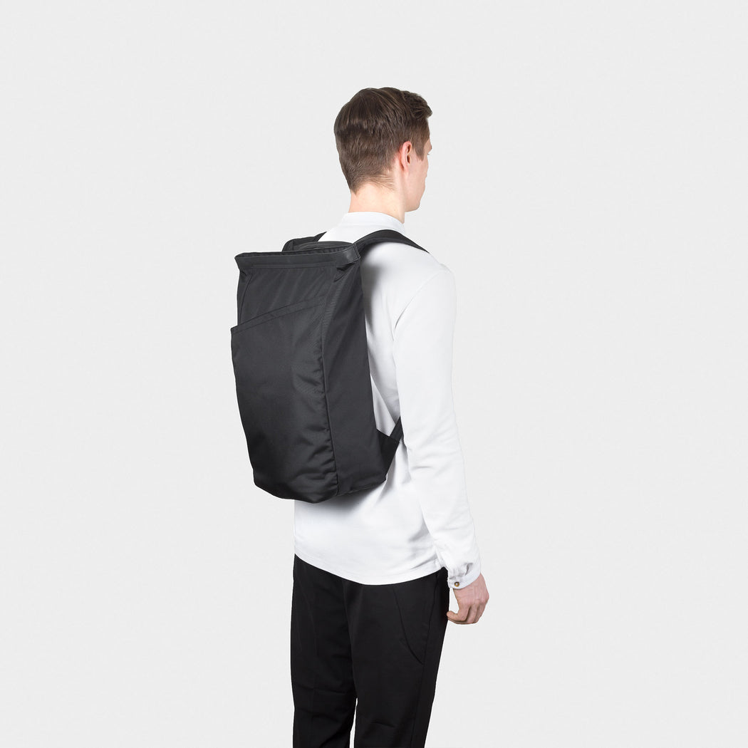 Opposethsi Invisible Backpack ONE | Laptop backpack | Minimalist Backpack | Black