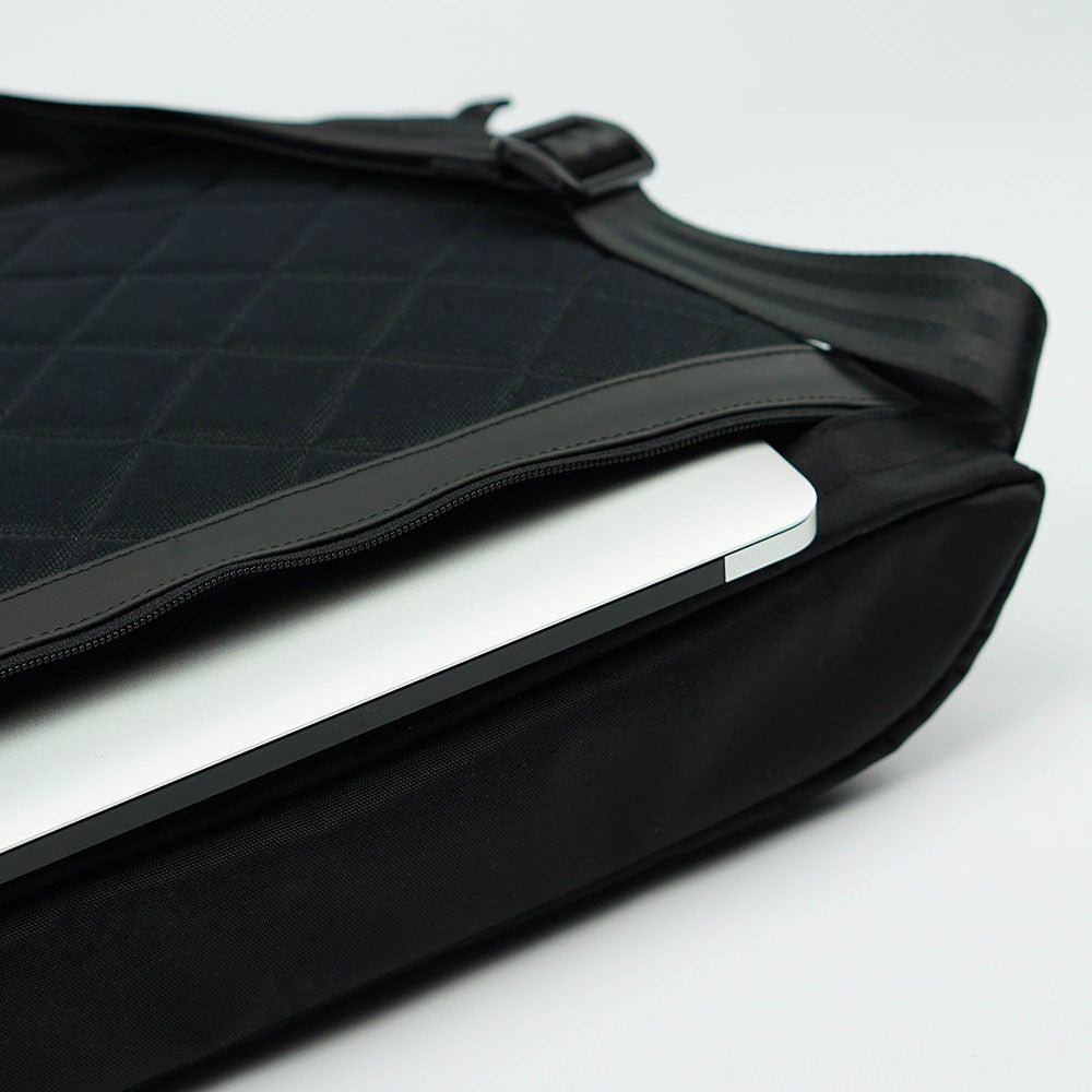 px weatherproof Invisible messenger bag - laptop