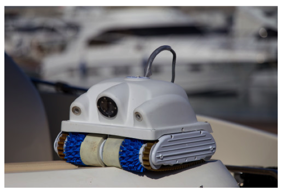 KEELCRAB Sail One Hull Cleaner with Carry Cases- Ex Shop Display - Special Offer