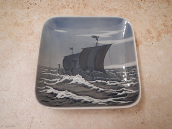1980s Royal Copenhagen Porcelain Viking Ship Tray Dish VIKINGESKIBE~ 3479