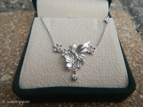 "14K/585 White Gold Butterfly Flower Pendant Necklace 14""~ 6 Diamonds .08TCW"