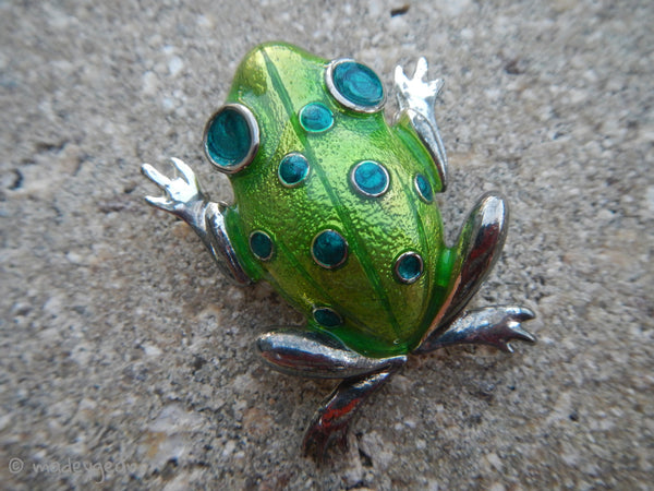 Vintage Silver Tone Shimmering Green Tree Frog Brooch Pin~ M Jent