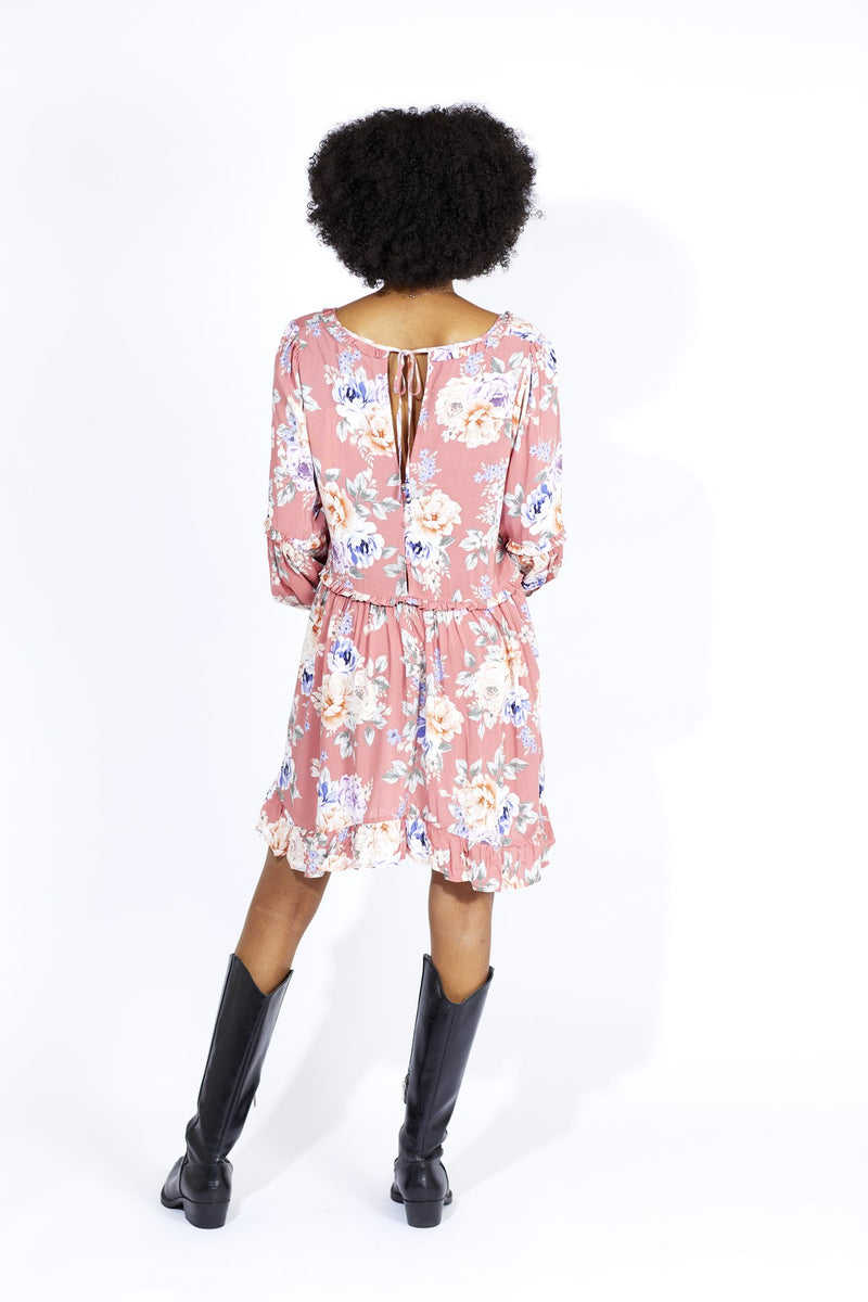 The Pascal Dunes Sleeve Mini Dress by Auguste is an easy favourite with its live-in fit, soft rayon fabric and blouson sleeves, this mini dress is a full bloom to stand out in your collection of florals.