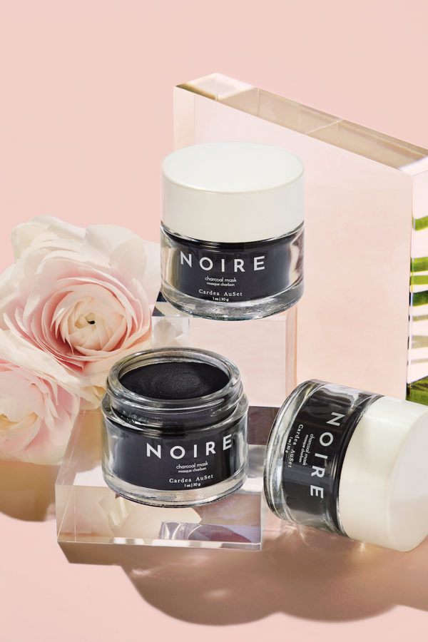 NOIRE is not your average charcoal mask. The highly concentrated, customizable powder-blend of activated charcoal and bentonite clay extracts toxins from the skin's surface, unclogging pores, exfoliating the skin, and stimulating blood flow. The result is a face so fresh and glow-y you'll want to make big plans, stat. Free of preservatives, this supercharged mask is one you can feel great about using.