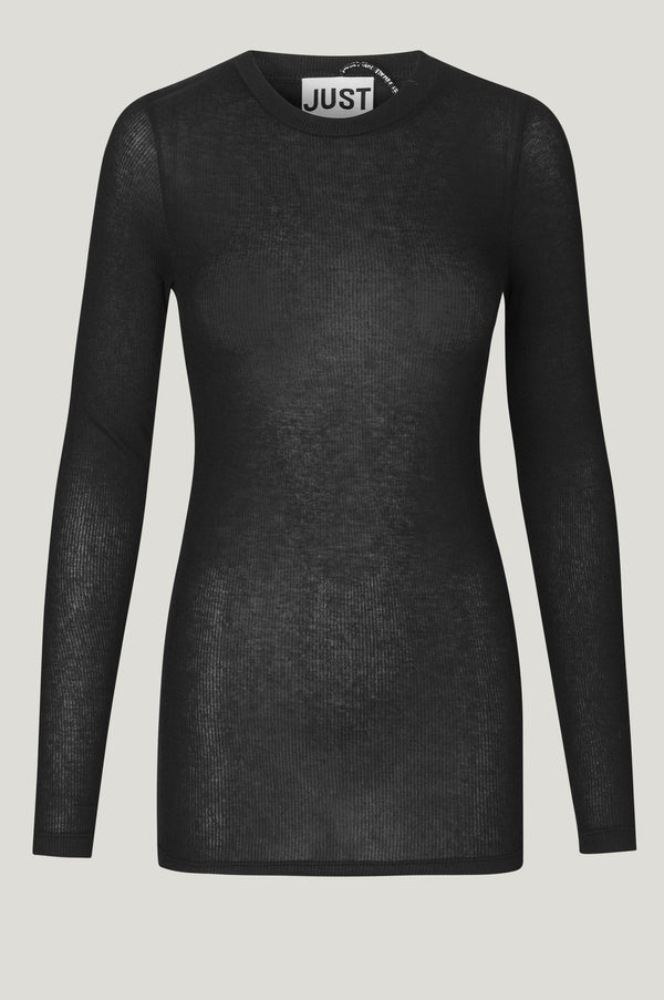 We love this light fitted black shirt made from a sustainable wool blend by Just Female. This long sleeve tightfitting shirt is perfect under any blouse, dress, or blazer. ESSENTIALS is an exclusive line of wardrobe must-haves that never go out of style - perfect for everyday wear.