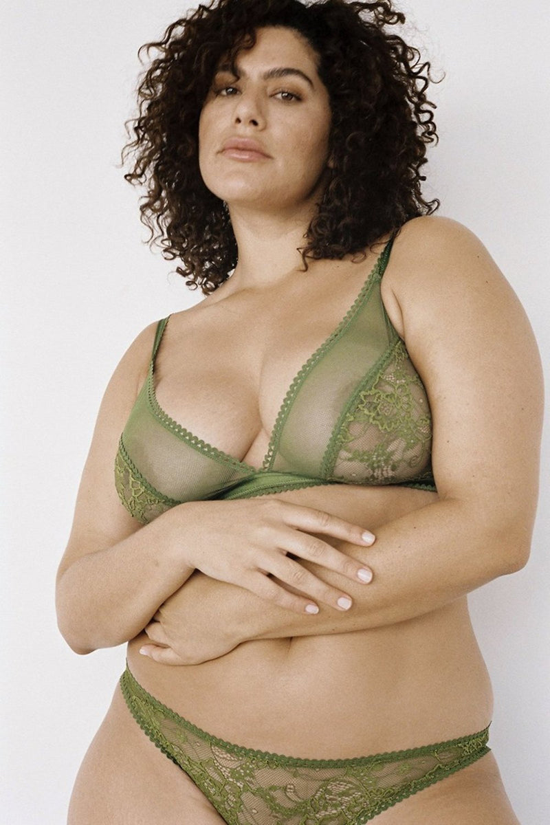 An easy-wearing style offering soft and comfortable stretch fabrics. The perfect fit for a practical and vintage-inspired feel. Comfortable, yet sexy we love this lace bra designed by Lonely Hearts Lingerie. Available in a warm olive green.