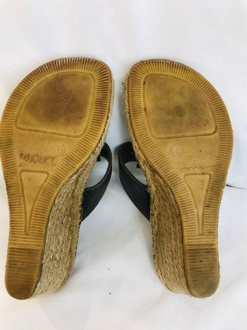 Burberry Nova Check Canvas Espadrille Wedge Thong Sandals Size 36.5
