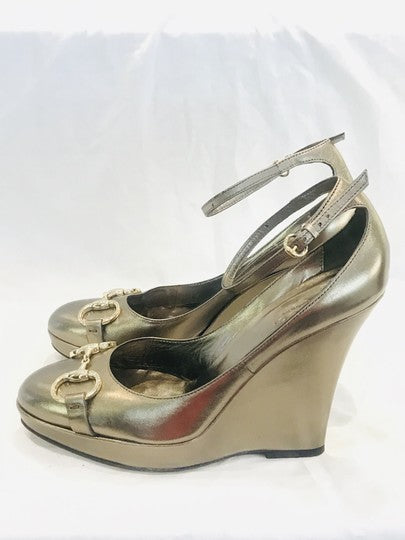 Gucci Gold Horsebit Metallic Wedges Size US 8 Regular (M, B)