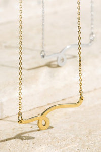 Wavy Curved Pendent Necklace