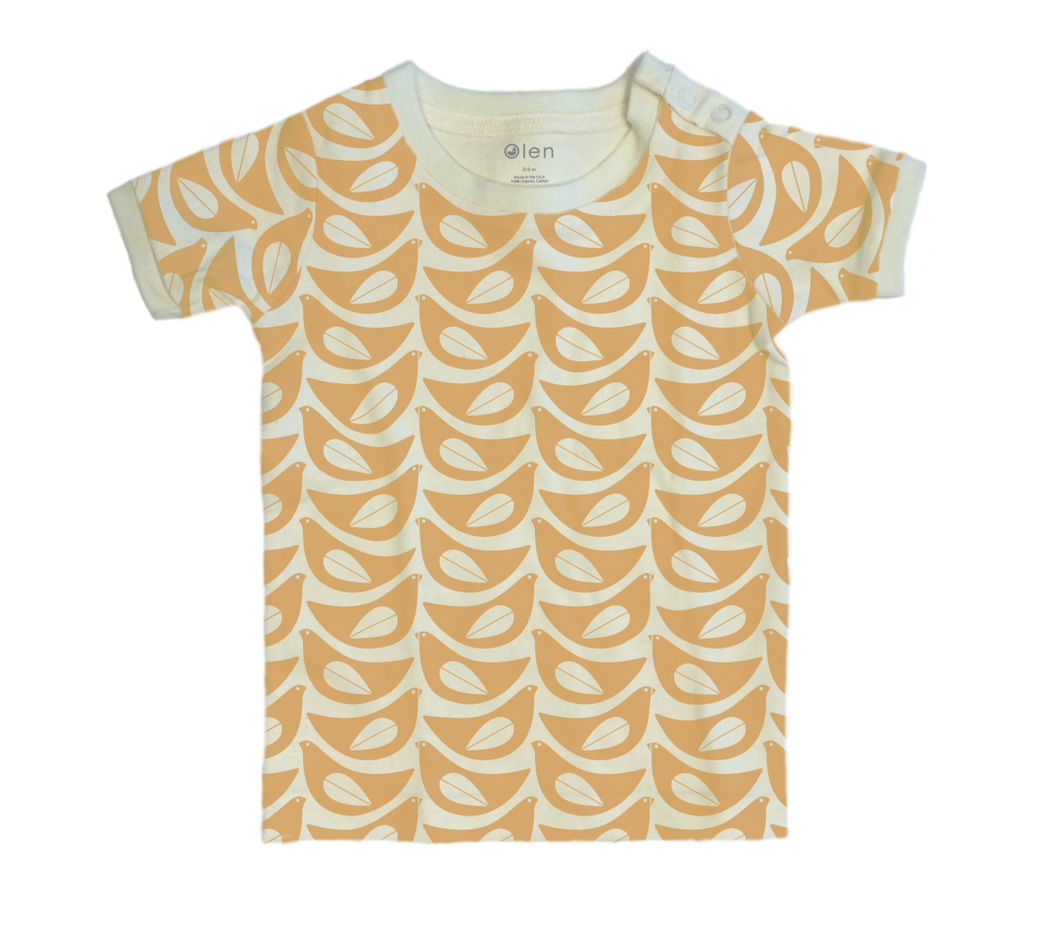 On the Go Short Sleeve Tee in Lintu Print