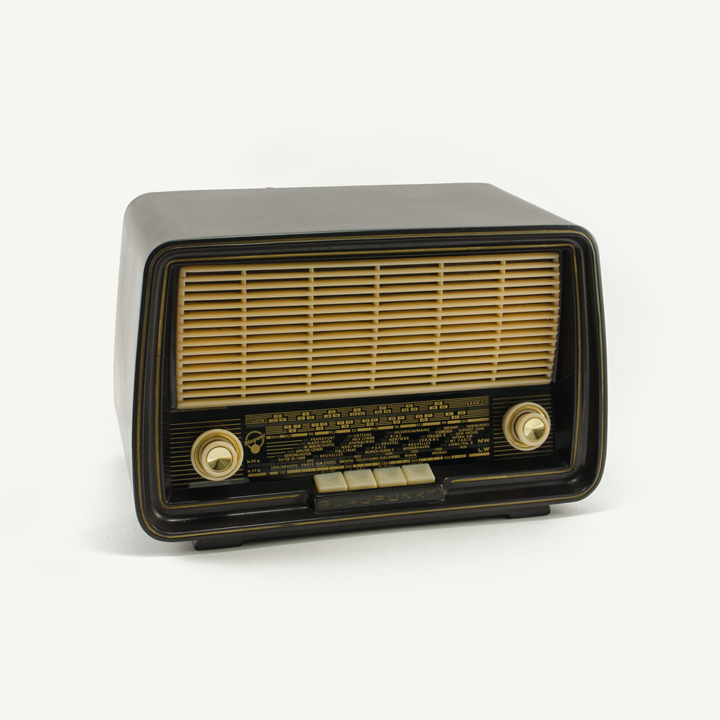 Oldschool Bluetooth Radio