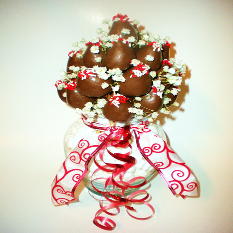 Large Valentine VIP Chocolate Covered Strawberry Arrangement