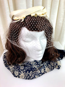 1950's Ivory Ring Hat with Bows & Veil